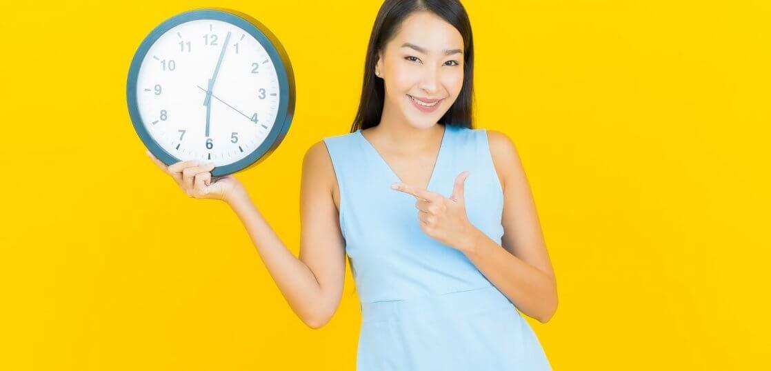 チャットレディの月収ってどれくらい?月収アップの方法や稼ぎやすい時間帯について徹底調査!